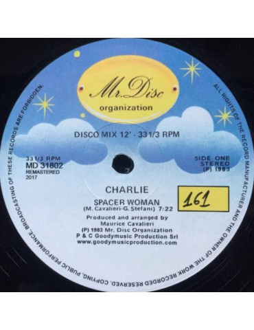 Charlie – Spacer Woman